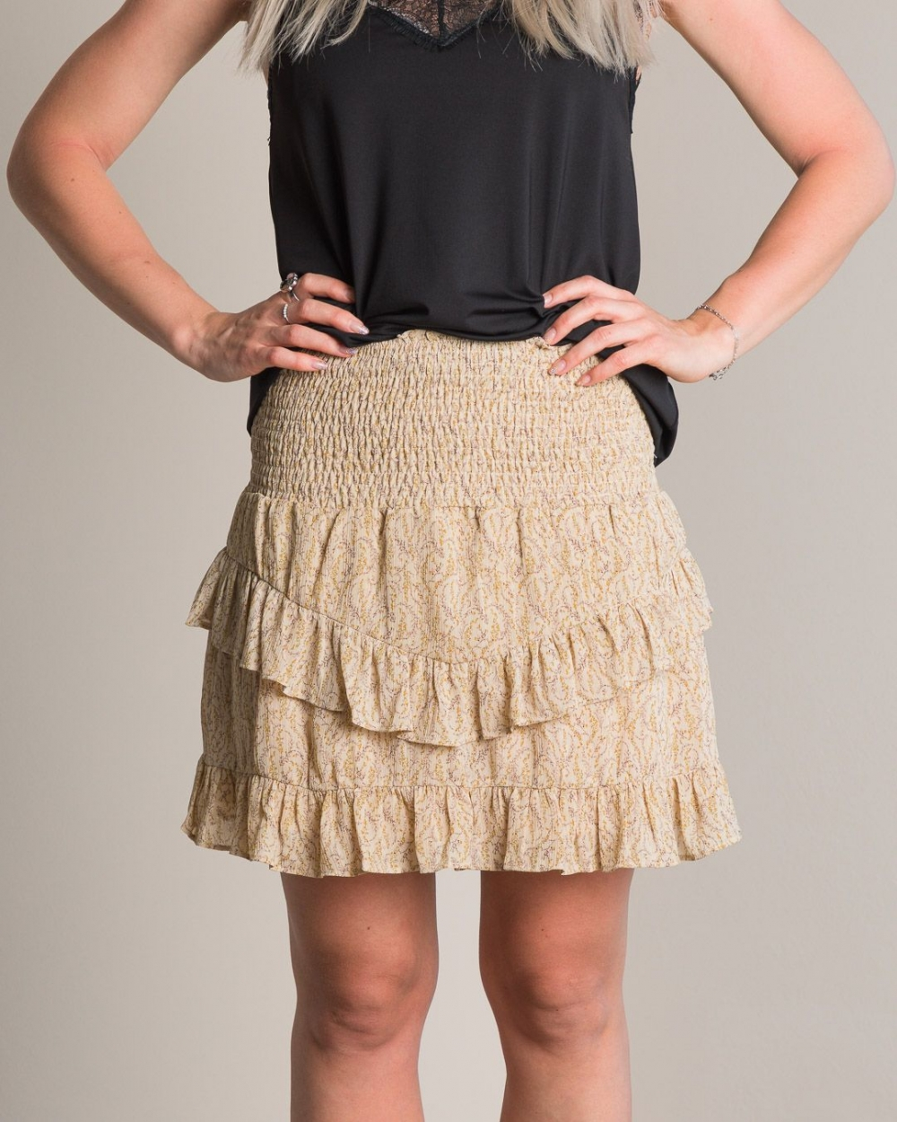 Neo Noir Line Flower Skirt - Dusty Yellow